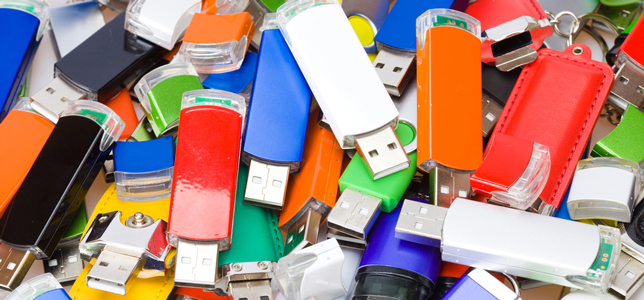 pile of flash drives