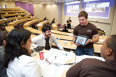 Cutting-Edge Tech Gives Students an Orientation in Experiential Learning