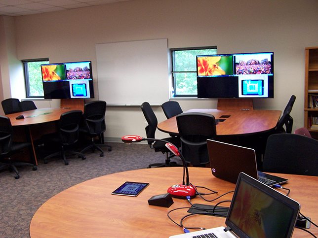 Ultra Modern Classroom ~ Texas college tries drop in av setup collaborative